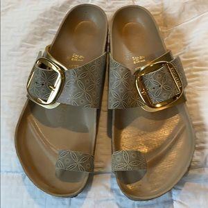 Birkenstock 41 big buckle sandals